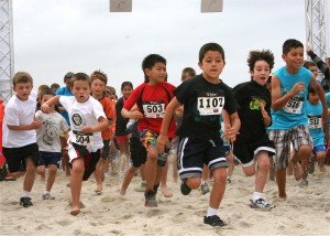 Kids race at Carlsbad Beach Fest 2012