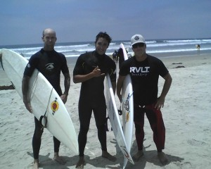 Pro Surfer, Medi Veminardi (center)